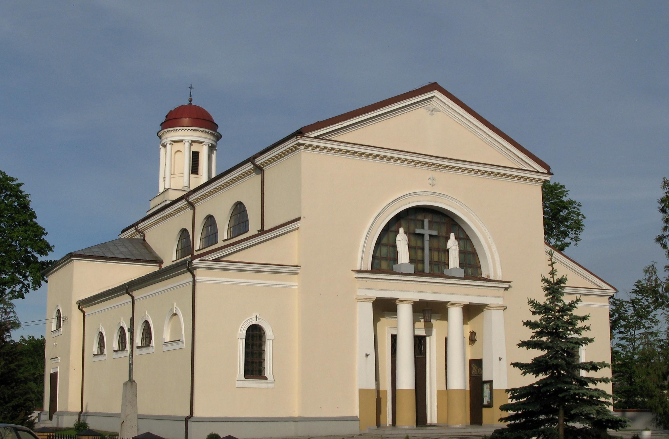 Raczki - Parafia pw. Trójcy Przenajświętszej